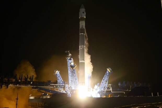 Названо количество военных спутников орбитальной группировки ВКС России