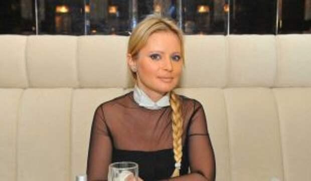 Наносила себе увечья: Борисова с кровавой одеждой намекнула на рецидив