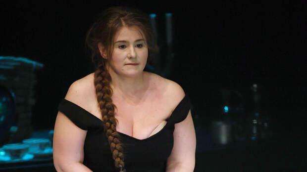 «Нам не хватало денег»: Юлия Куварзина о разводе с супругом