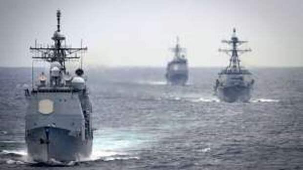"""Призванный устрашать ВМФ России крейсер США """"сдался"""" за несколько часов"""