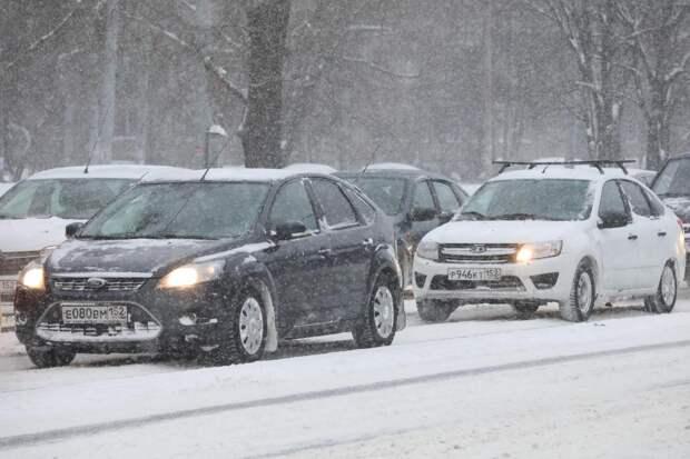 Пробки в Нижнем Новгороде с утра достигли 10 баллов