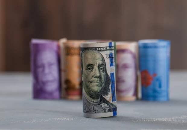 Банковской тайны давно не существует: эксперты о работе банковской системы