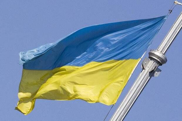 Судно ВМС Украины терпит бедствие в Черном море