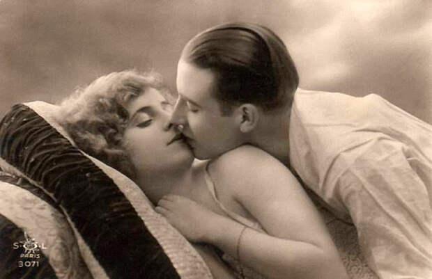 Французские открытки, в которых показано, как романтично целовались в 1920-е годы 40