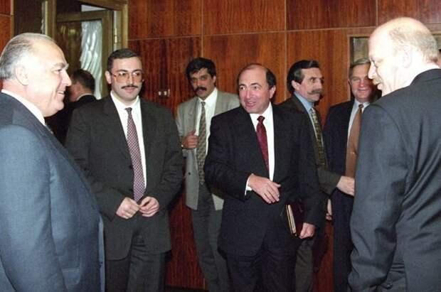 Семибанкирщина. Что стало с бизнесменами из 90-х ? банки, история, семибанкирщина