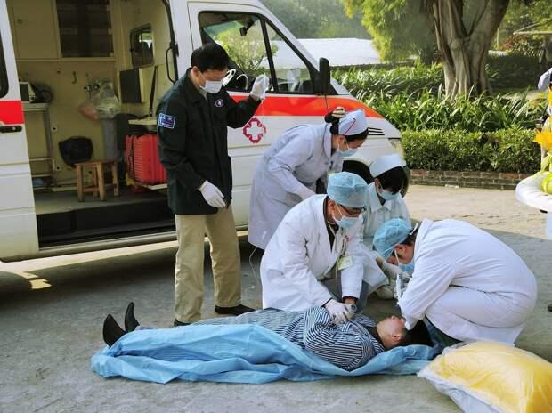 В Китае 11 человек погибли в ДТП с фурой и автобусом