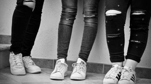 В Казахстане школьниц обязали носить юбки
