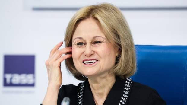 Донцова в 67 лет поразила поклонников поперечным шпагатом