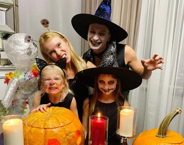 «Русские, мытакое непразднуем!» Ягудин жестко ответил наоскорбления из-за Хэллоуина