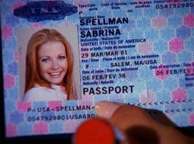 Сабрина Спеллман родилась 29 марта 1981 года