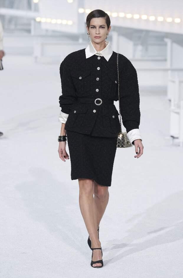 Chanel. @vogue.ru/