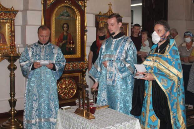 На Кубани в храмах почтили память жертв терактов