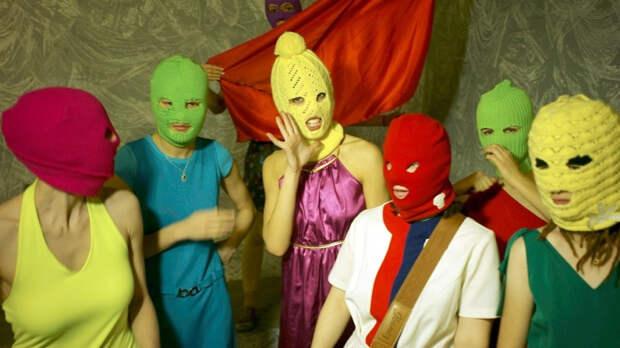 Суд арестовал участницу Pussy Riot Никульшину на пять суток