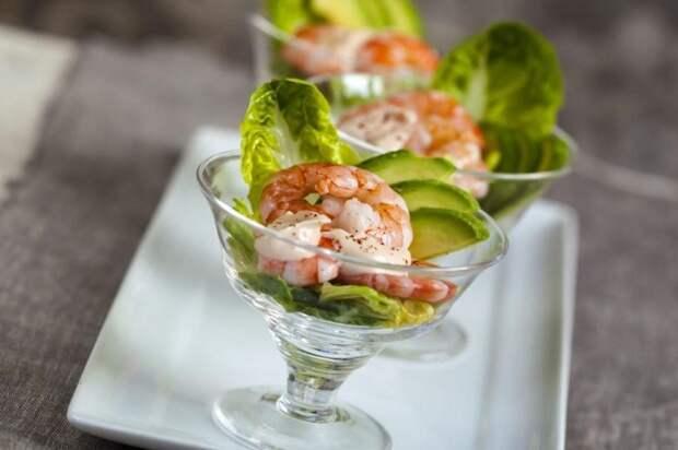 Обычно салаты-коктейли делают из морепродуктов. / Фото: ruvita.ru