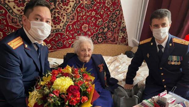 На Кубани поздравили со столетием участницу Сталинградской битвы