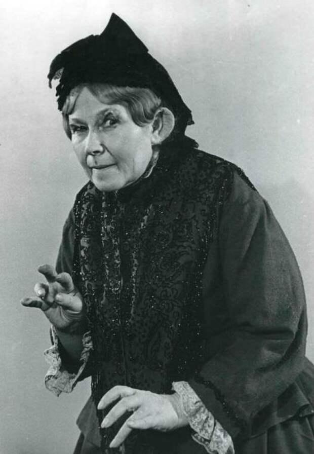 Кокой была в юности Старушка-сказительница из любимых сказок детства, и ее удивительная жизнь