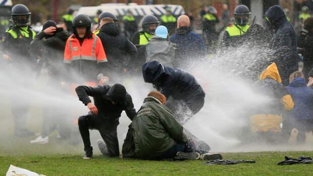 ARD: «Мы на пути к гражданской войне» — беспорядки в Нидерландах стали самыми масштабными за последние 40 лет