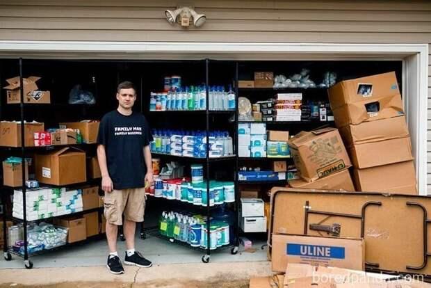 Он пытался всех обхитрить. Теперь у него 17 700 бутылок санитайзера для рук, которые никто не купит