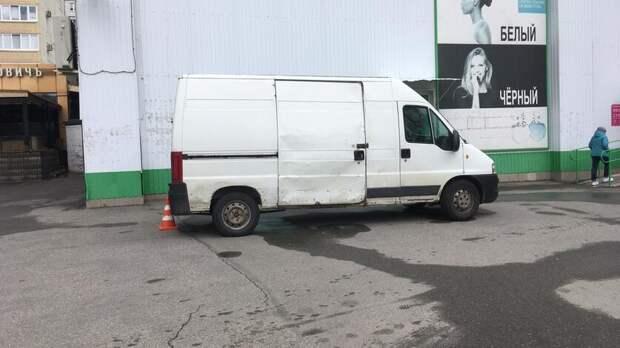 Водитель грузовика в Ставрополе сбил пенсионерку на парковке