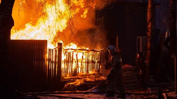 Обгоревшие трупы четверых детей нашли после пожара в Свердловской области