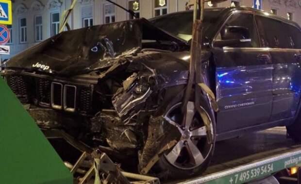 Пашаев заявил, водитель за рулем авто Ефремова является известным человеком