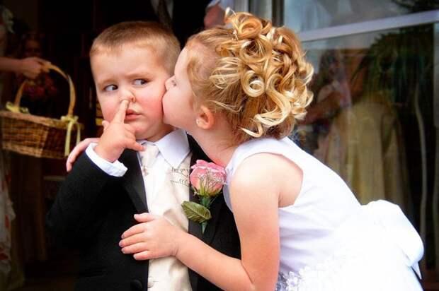 Потом, естественно, свадьба. Важный шаг в жизни, который, как вам кажется, только усилит вашу любовь дети, отношения, прикол, юмор