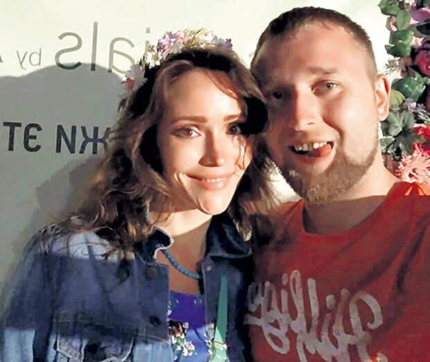 Александра с мужем Виталием. Фото: Instagram.com