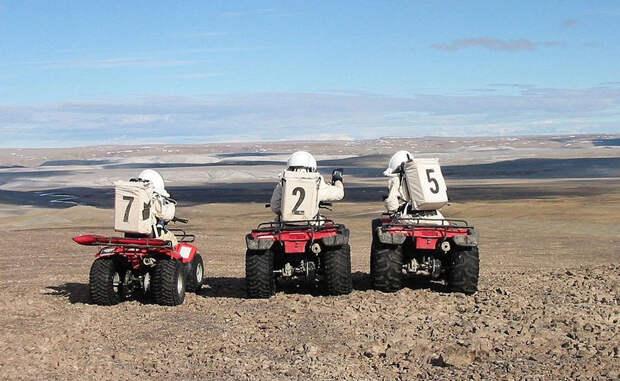 Кусок Марса на Земле, где учат жить как на другой планете: остров Девон