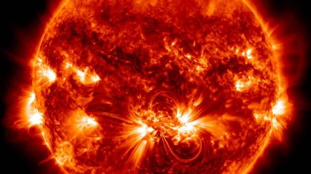 Нейросеть научили обнаруживать корональные дыры на снимках Солнца