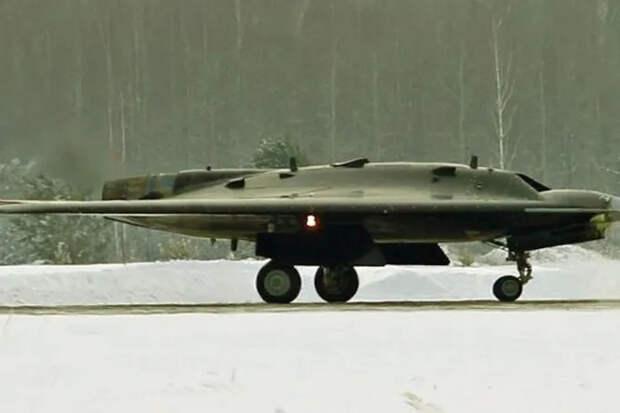 Беспилотный «Охотник» готовится впервые пострелять ракетами