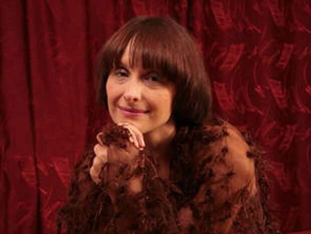 К акции «Бессмертные рифмы» присоединилась актриса Светлана Рожкова: Это очень семейное стихотворение