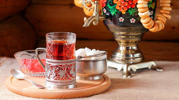 Китайский блогер рассказал, чем его удивило чаепитие в России