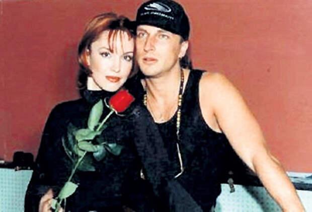 НАГИЕВ уверял, что увлекся Анной в середине 90-х. Она была замужем за ресторатором КОНОРОВЫМ, а он женат на радиоведущей ШЕР. Но это не помешало их роману. Фото с сайта m-rnagiev.ru