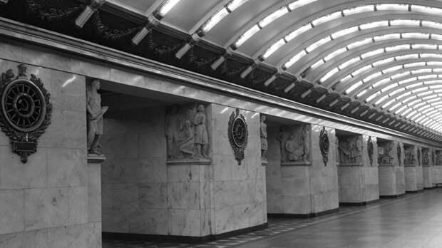 Петербуржцев предупредили об изменении режима работы одной из станций метро