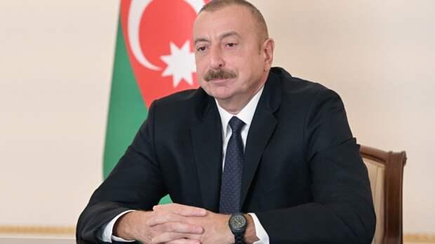Президент Азербайджана направил поздравление Путину по случаю Дня Победы