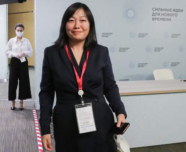 Как учительница английского языка стала самой богатой женщиной в России