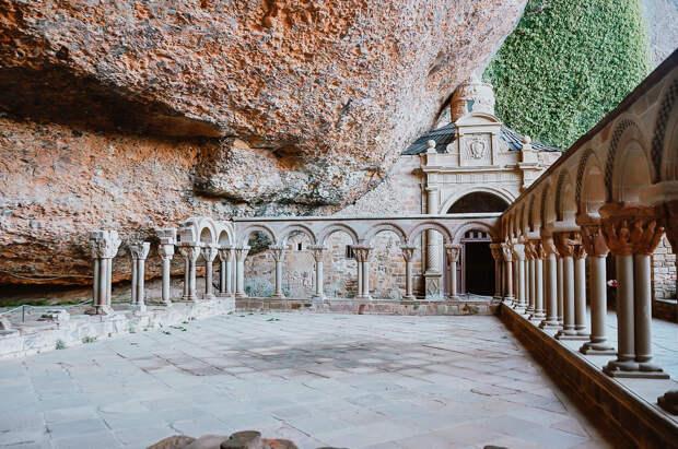 Едем в Арагон: горы, пустыни и средневековые города — без туристов