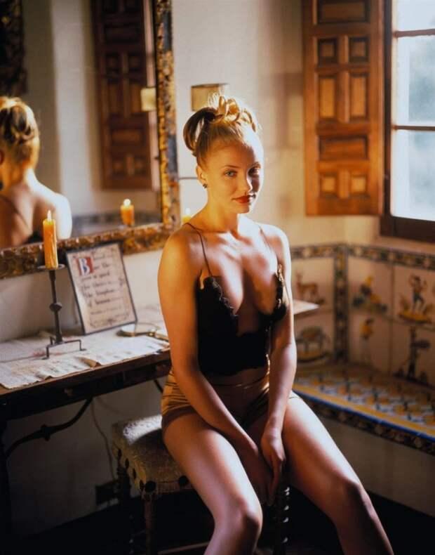 Девочка созрела? Самые скандальные фотосессии юных знаменитостей