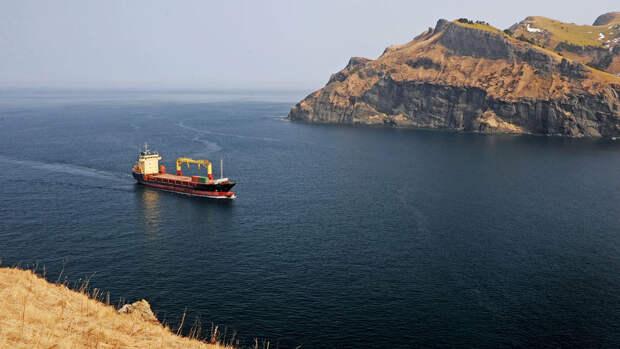 Возобновлено движение по Волго-Каспийскому каналу, где на мель село судно