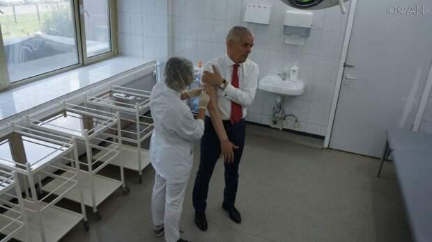 Геннадий Онищенко на своем примере показал пользу вакцинации от гриппа