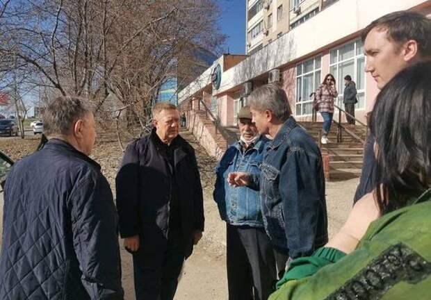 В Волжском районе отремонтируют 90 тротуаров