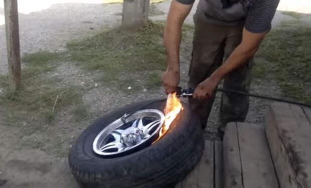 Качаем бескамерную шину без насоса за минуту