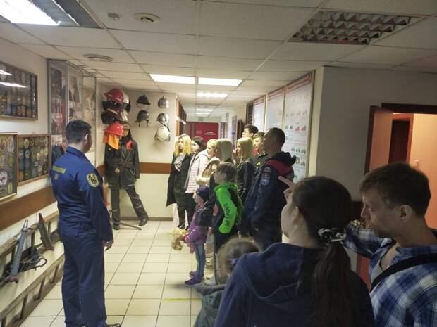 В 204 пожарно-спасательном отряде провели познавательную экскурсию для детей