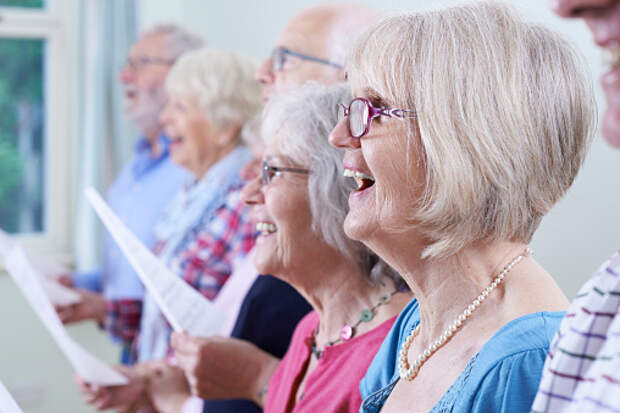 Пенсионерка из Лианозова ведет хоровые занятия через WhatsApp
