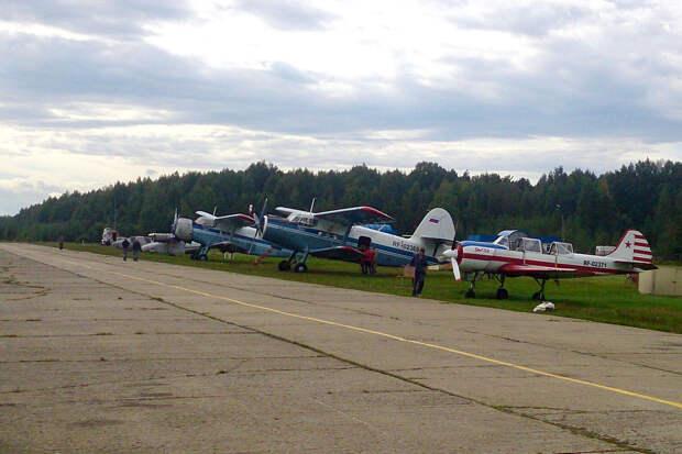 В Тверской области закрывают культовый для любителей парашютного спорта аэродром Борки