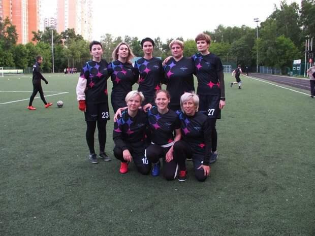 Футболистки из Свиблова одержали победу в первом же матче
