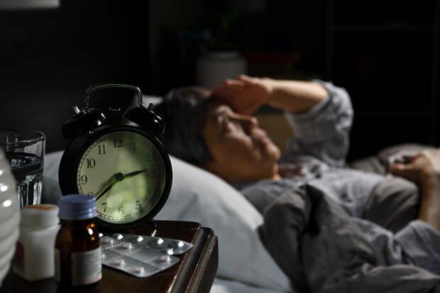 Сомнолог рассказала о причинах частых пробуждений среди ночи