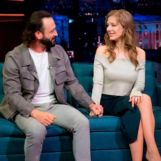 Илья Авербух прокомментировал слухи о свадьбе с Лизой Арзамасовой