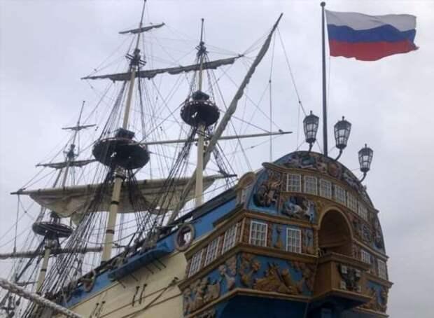 Петр Алексеевич одобрил бы: в Петербурге строят музей-корабль «Полтава» (3 фото)