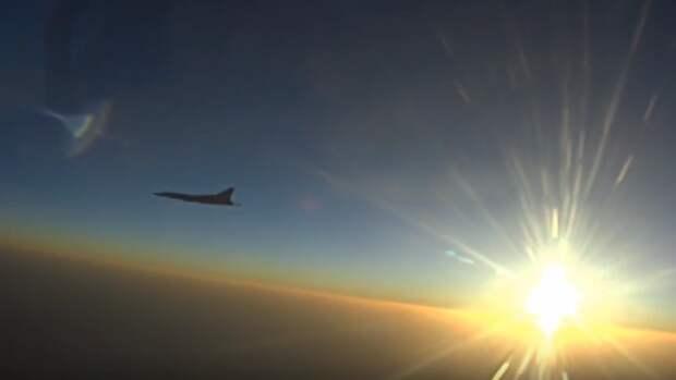 Минобороны опубликовало видео удара дальней авиации в Сирии